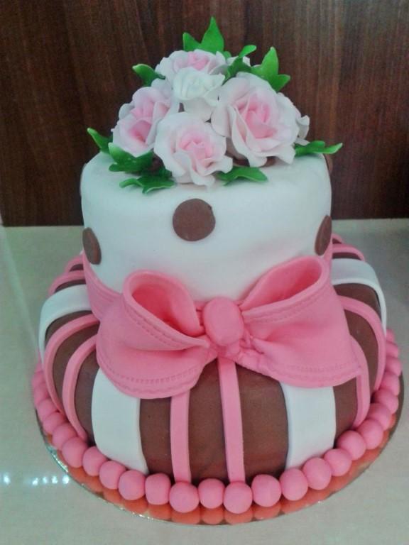 masnis torta képek Nestlé Rózsaszín Csokoládé Torta   MuzicaDL masnis torta képek