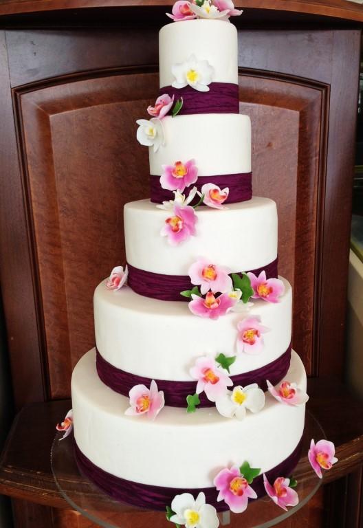 esküvői emeletes torta Sulyán Cukrászda Veresegyház, Gödöllõ esküvői emeletes torta